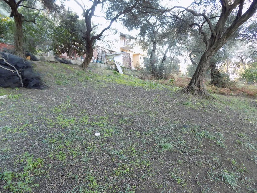 PLOT OF LAND FOR SALE IN KAROUSADES