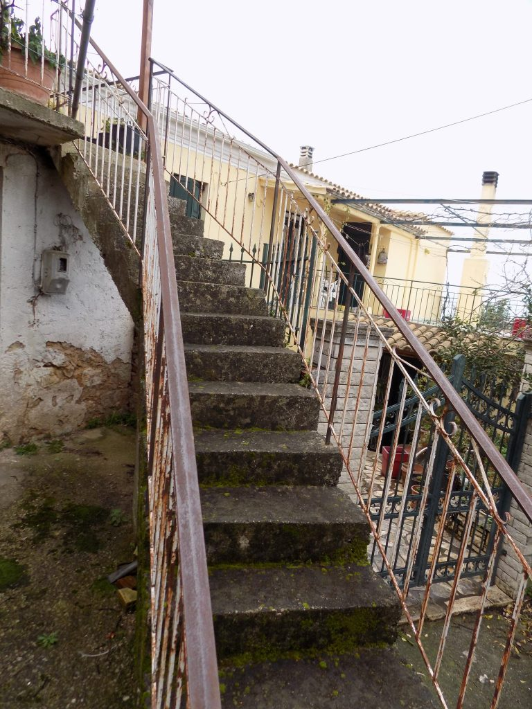 STONE HOUSE FOR SALE IN NYMFES
