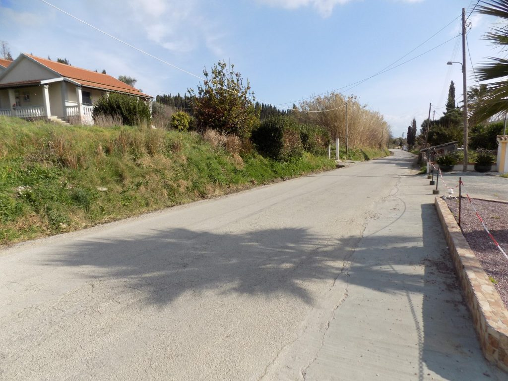 PLOT OF LAND FOR SALE IN PEROULADES