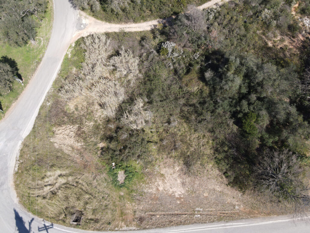 PLOT OF LAND FOR SALE IN NIMFES
