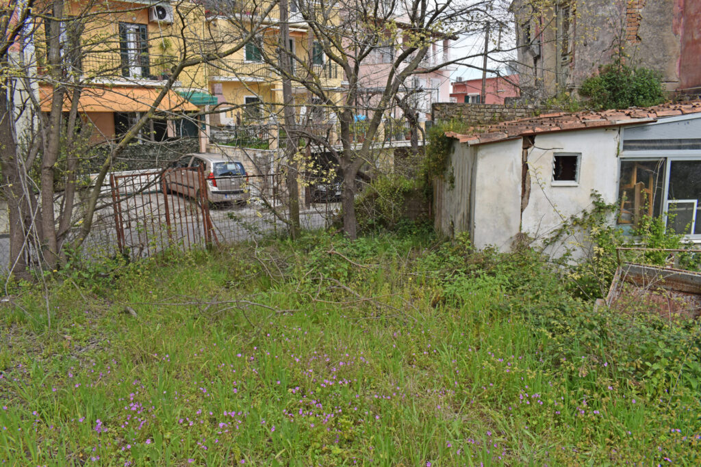 OLD HOUSE FOR SALE IN CORFU TOWN