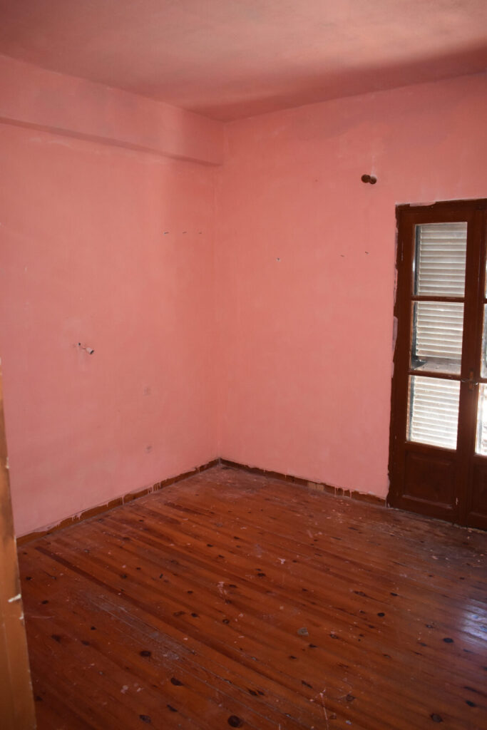 OLD HOUSE FOR SALE IN SPARTYLAS
