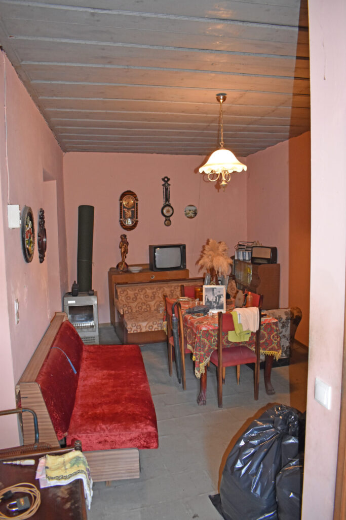 SEMI-DETACHED OLD HOUSE FOR SALE IN SPARTYLAS