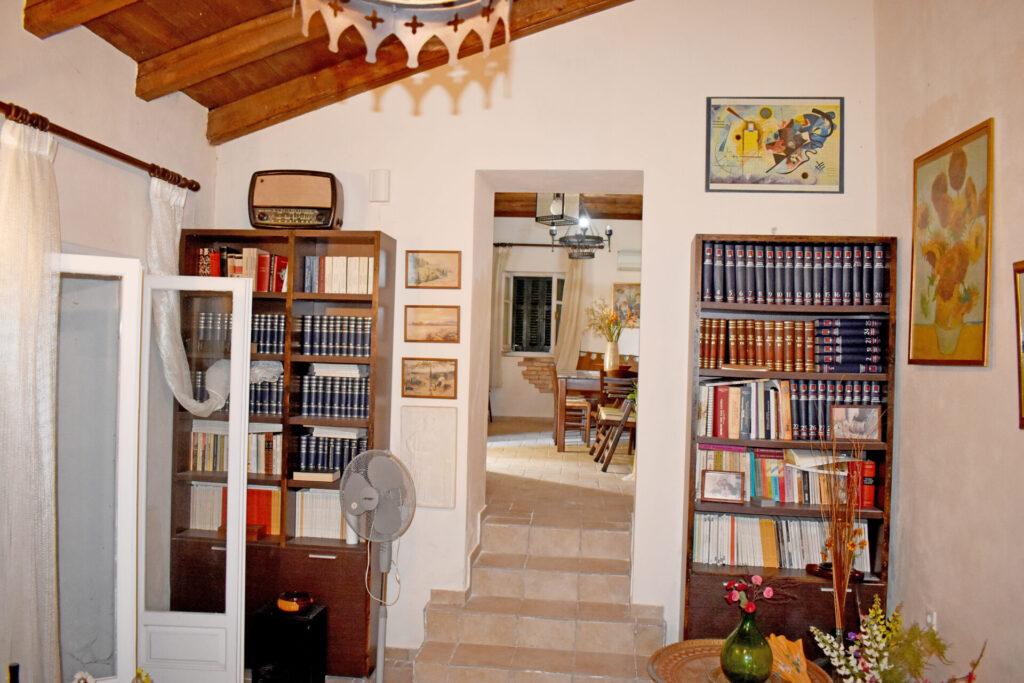 HOUSE FOR SALE IN KORAKIANA