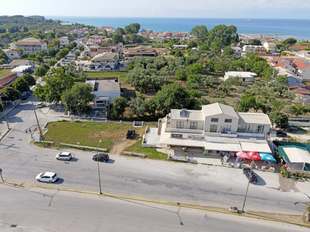 COMMERCIAL BUILDING FOR SALE IN RODA